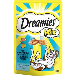Dreamies Mix Cat Treats with Scrumptious Salmon & Delicious Cheese